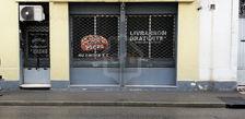 Arles centre local professionnel à louer. 700