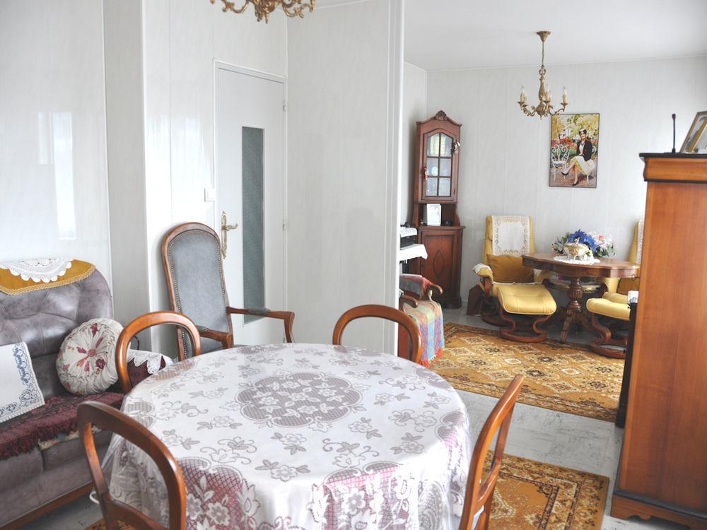 Vente Appartement Bel appartement très ensoleillé avec vue dégagée en centre ville  à Le coteau