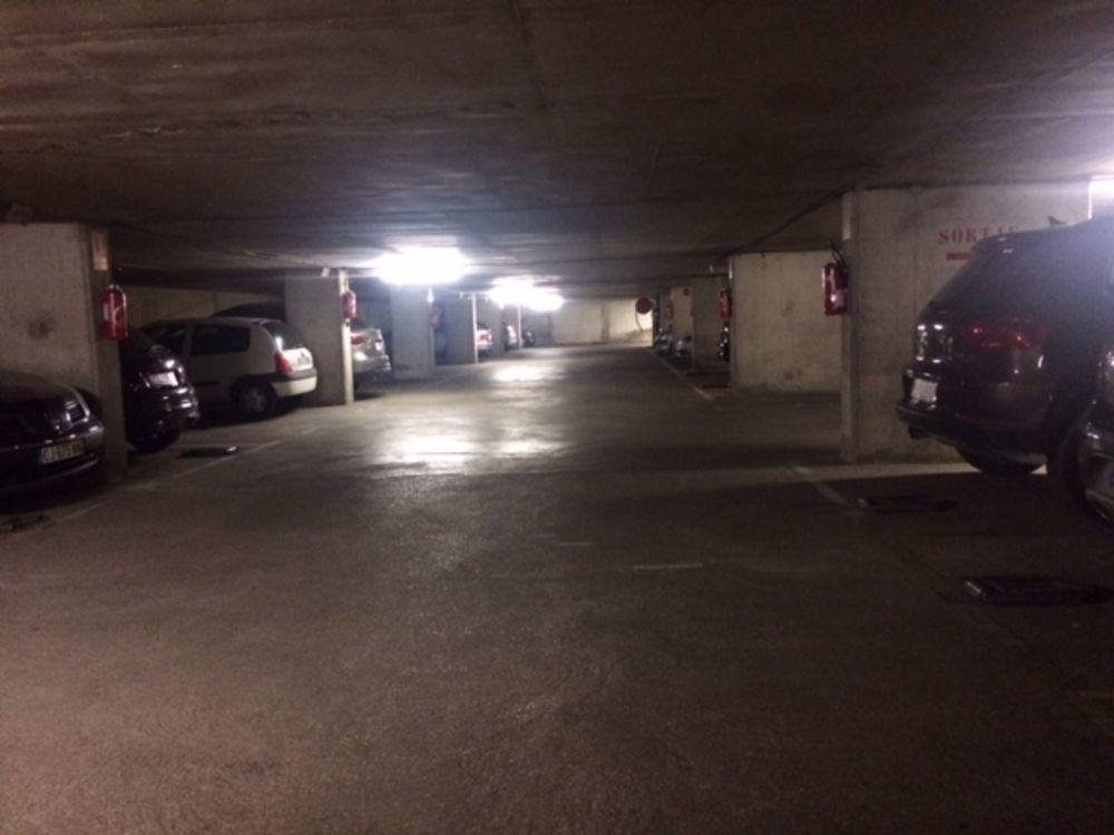 Vente Parking/Garage DIJON CENTRE PARKING SOUTERRAIN  à Dijon