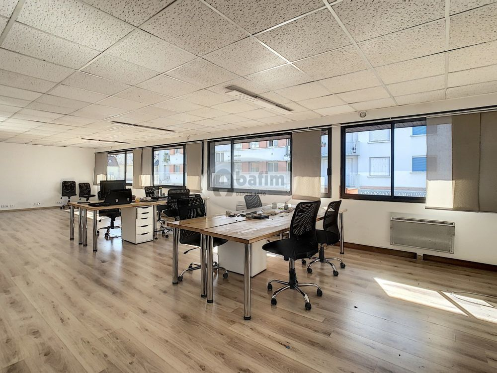 Local avec bureaux