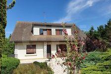 4887- MAISON  de 115 m² habitable comprenant  : une entrée, un salon, une cuisine donnant sur un balcon, 4 chambres dont une sui 126000 Vouzailles (86170)