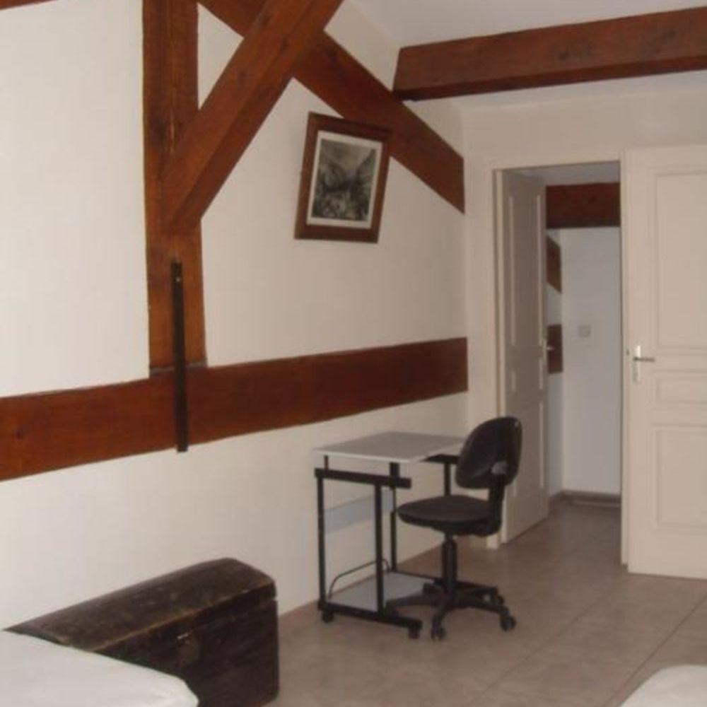 Location Appartement 2 Pièces EN DUPLEX DANS QUARTIER CALME  à Montagnac