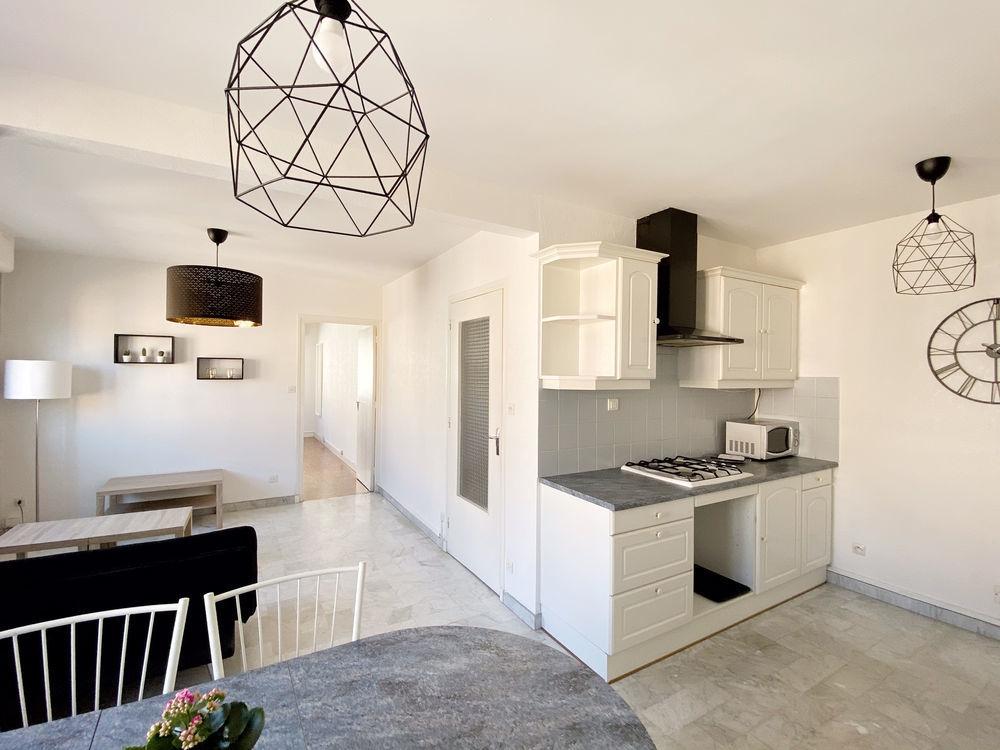 Location Appartement Appartement T2 - Place Chavanelle St etienne