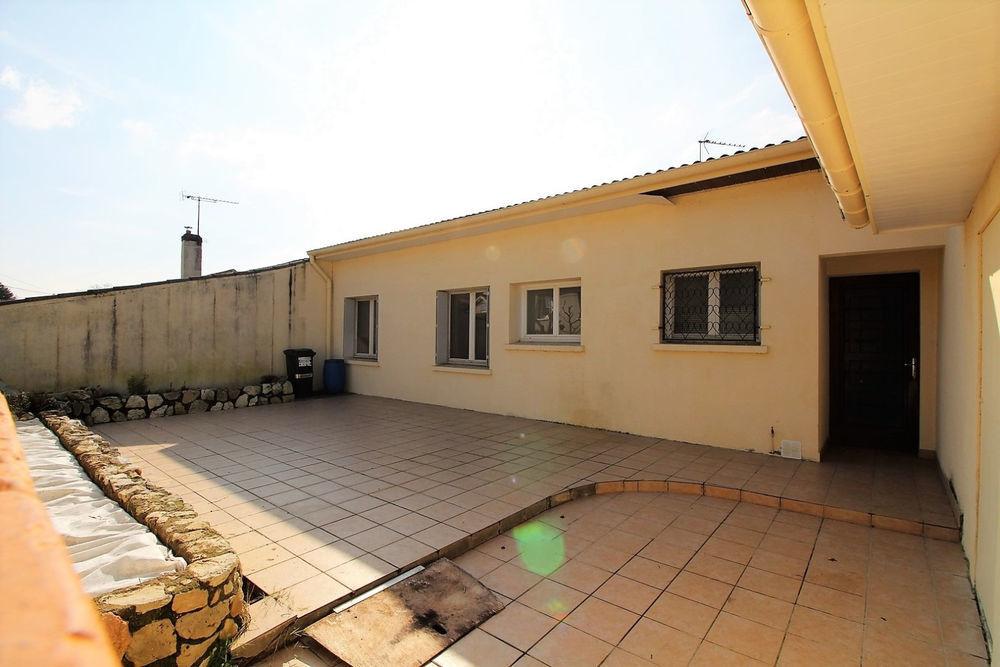 Vente Maison Plain-pied avec 4 chambres, 1 bureau, double garage et jardin  à Bon encontre
