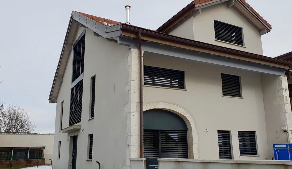 Vente Maison Standing- Maison 5 chambres- 378 m2- 1318 m2 terrain au centre de Cessy!  à Cessy