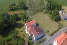 Maison de hameau avec gite et grange partiellement rénovée et terrain 149330 La Chapelle-Thémer (85210)