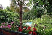 Grande maisoon à 4 chambres au bord de la rivière avec piscine, jardin et ponton privé 162000 La Guerche (37350)