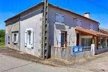 Maison de quatre chambres dans un hameau tranquille. Garage attenant et terrain détaché 86400 Abzac (16500)
