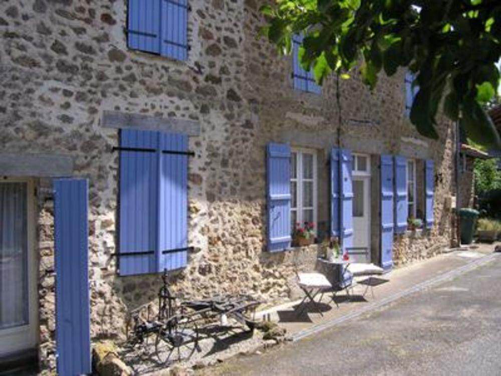 Vente Maison Belle maison de 4 chambres avec les Lacs de la Haute Charente à pied.  à Videix