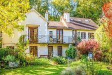 Propriété exceptionnelle de 3/6 chambres, complètement rénovée avec un grand jardin de style anglais. Située proche de la rivièr 165000 Saint-Pierre-de-Maillé (86260)
