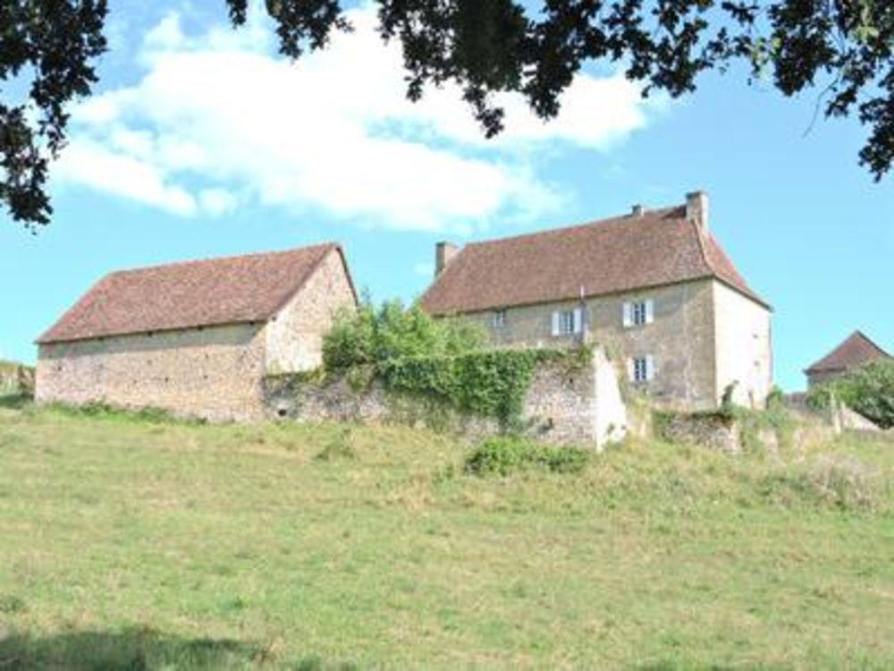 Vente Ferme Maison de campagne avec gite, grange et grand jardin avec vue panoramique.  à Perigord vert
