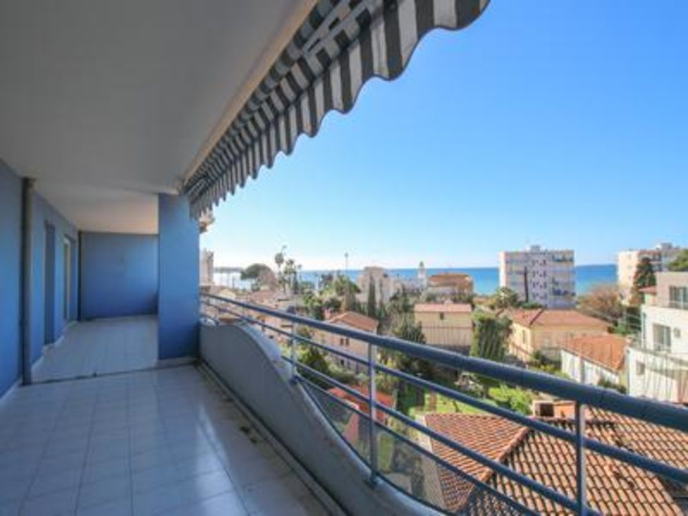 Vente Appartement Juan les Pins - Appartement très ensoleillé , exposé sud-ouest de (74m2) avec grande terrasse de (31m2) et vue mer. Seulement 5  à Juan les pins