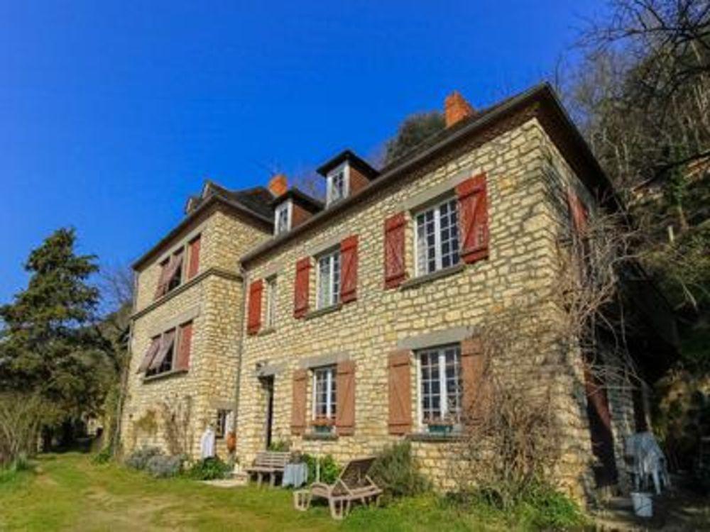 Vente Maison Périgord Noir - Maison spacieuse dans l'un des plus beaux et recherchés villages de France, sur 5.253 m2 de terrain, environneme  à Beynac et cazenac