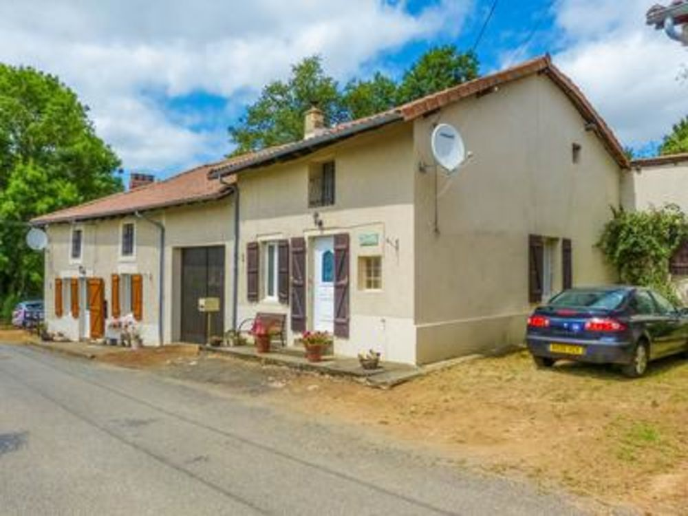 Vente Maison Maison principale de 3 chambres, plus un gîte de 3 chambres et jardin attenant  à Etagnac
