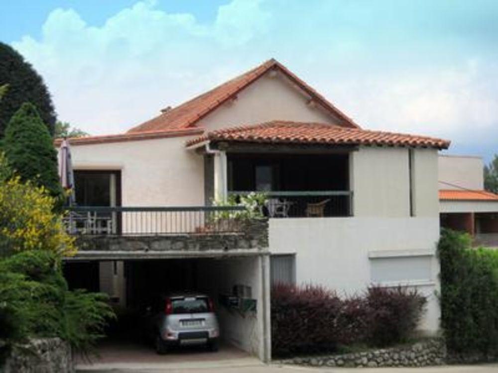 Vente Appartement T4 dans une petite coproprietaire avec garage, jardin, terrasse et de belles vues sur les montagnes.  Près de Vernet, 1km!  à Vernet les bains