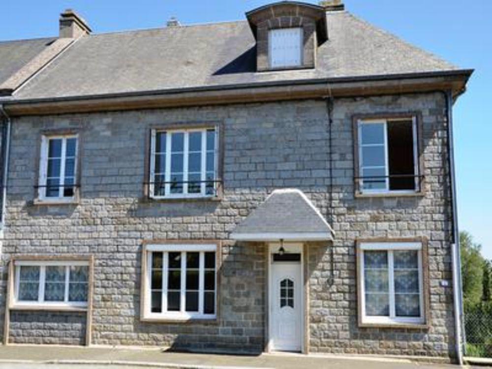 Vente Maison Grande maison de ville au coeur du village populaire, une belle maison de famille. A 11 km de Vire  à Champ du boult
