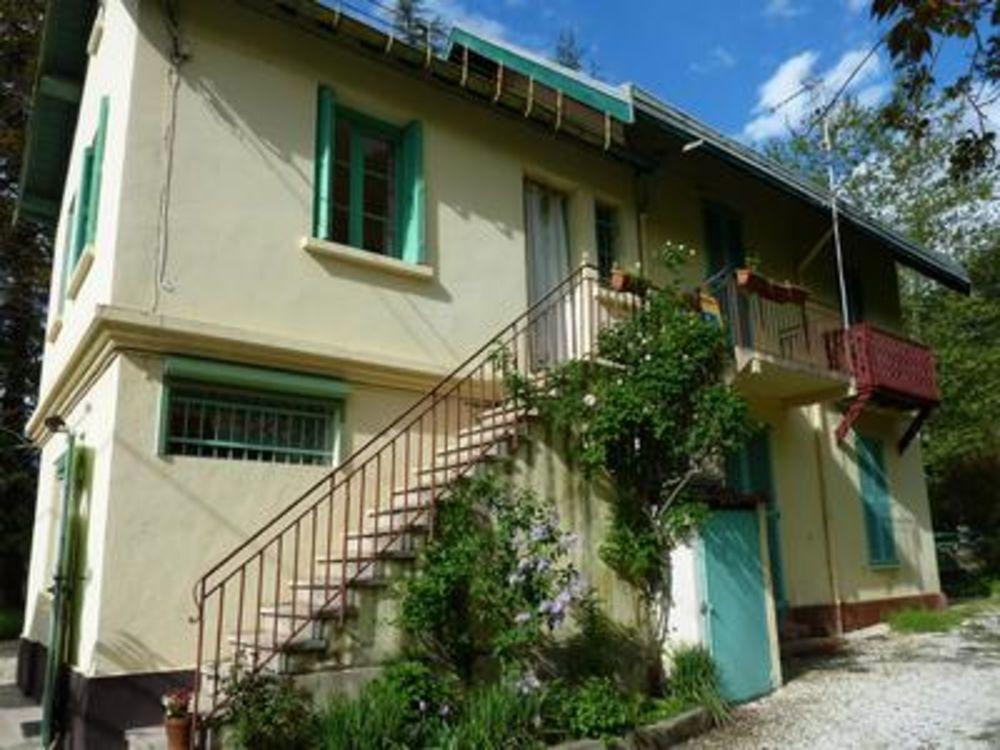 Vente Appartement Appartement T2  possibilities de T3, dans une maison à Vernet les Bains avec jardin , parking et vues sur les montagnes  à Vernet les bains