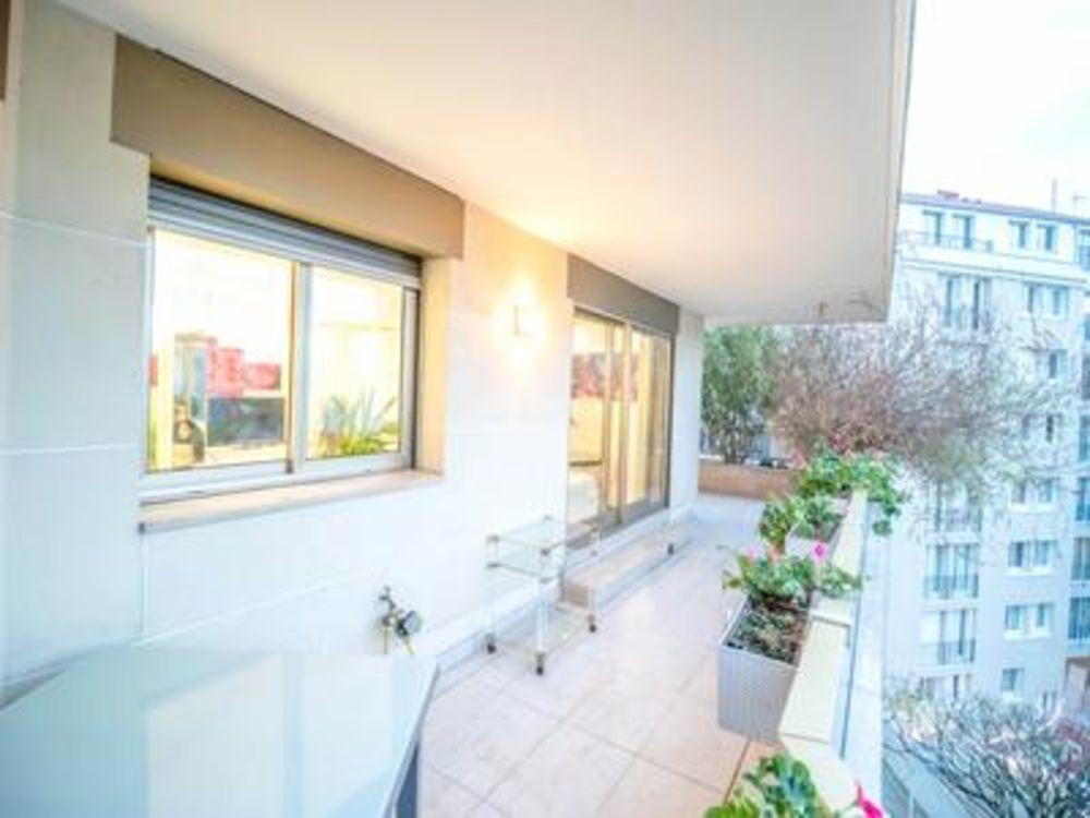 Vente Appartement Vincennes 94, proche de Paris 12ème - Un Superbe 4Pièces (T4) d'angle de 92m2 et 54m2 de terrasse, dernier étage Asc, orienté Su Vincennes