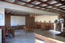 Murs et fonds de commerce plus appartement de 4 pièces.  Inclus Licence IV, meubles de restaurant, cuisine équipé, caves.  Très