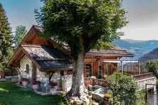 Très beau chalet avec vues superbes. Grande terrasse expose? sud, terrain et jardin dans la vallée de Me?ribel au centre des Tro 1716000 Les Allues (73550)