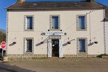 Bar / Restaurant avec beaucoup de succès avec 2 appartements et jardin. Possibilité de créer votre propre entreprise. 178000