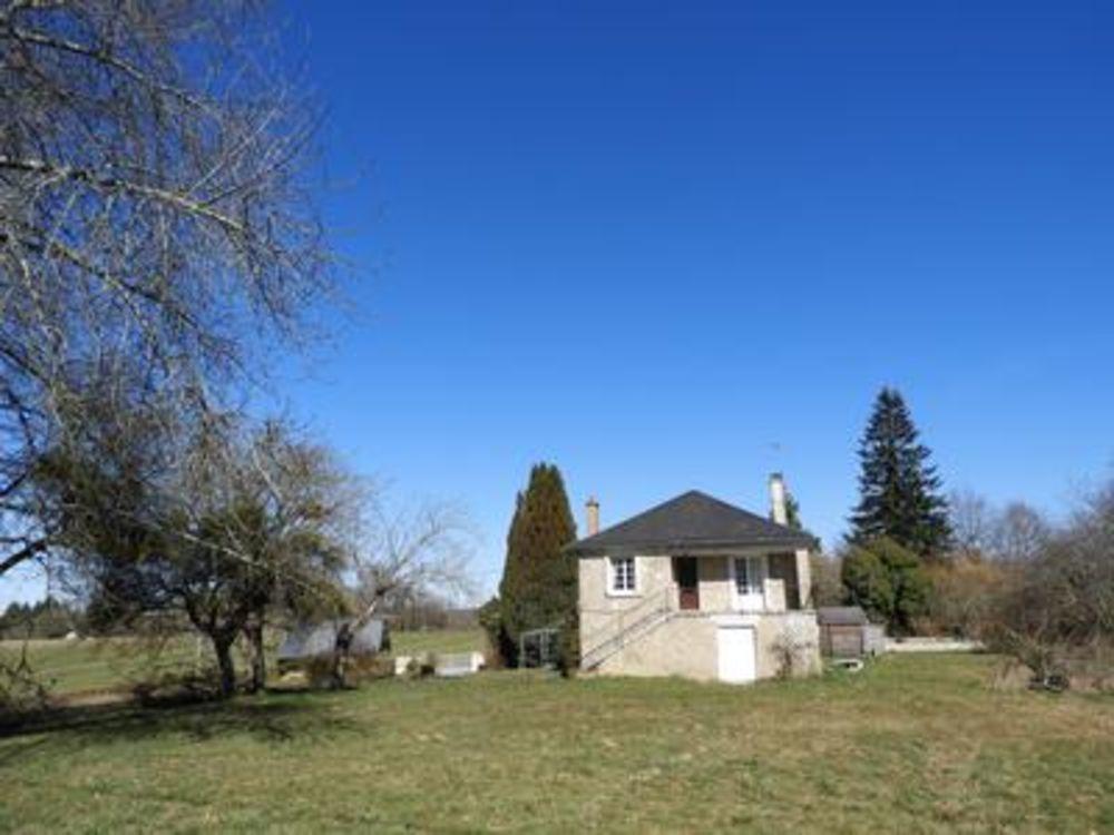 Vente Maison Belle maison 4ch. grange indépendante, ancienne maison à renover, four à pain et 1,2Ha de terrain  à Condat sur ganaveix