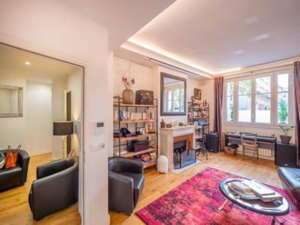 Vente Appartement Square Charles Laurent Paris 75015 - Entièrement meublé 103m2 appartement haussmannien de luxe de 5 pièces (T5), orienté sud ave Paris 15
