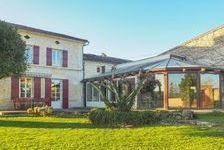 Jolie maison familiale de 4 chambres avec jardin privé et court de squash et court de tennis dans le jardin. 310000 Port-d'Envaux (17350)