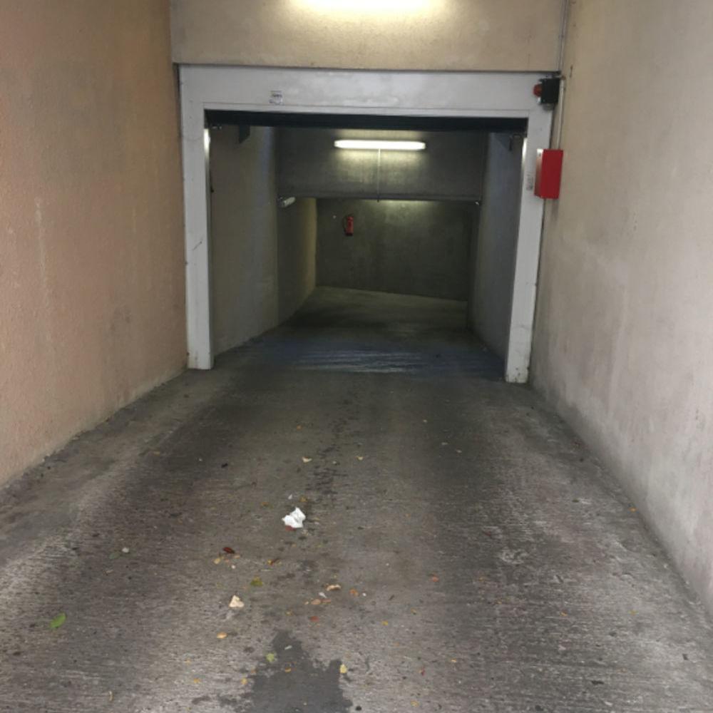 Location Parking/Garage Garage fermé à louer à 85 euros - 29 rue Roger Bréchan 69003 LYON Lyon 3