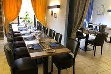 Dans village médiéval touristique, restaurant fonds de commerce, 92000