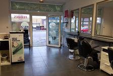 - Local commercial situé sur un axe très passant - 550