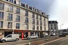 Mûrs commerciaux loués- Saint-Cyr-l'école 140000