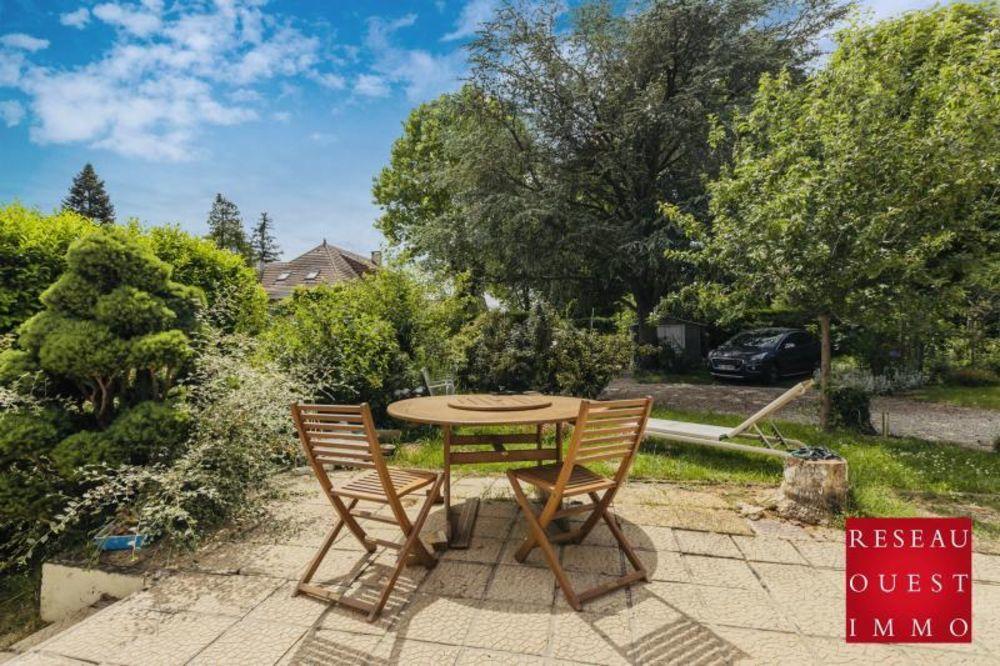 Vente Maison RARE MAISON PLAIN PIED 100M2 FORMAT FAMILIAL 4 CHAMBRE EXTENSION POSSIBLE BRIGNAIS  à Brignais