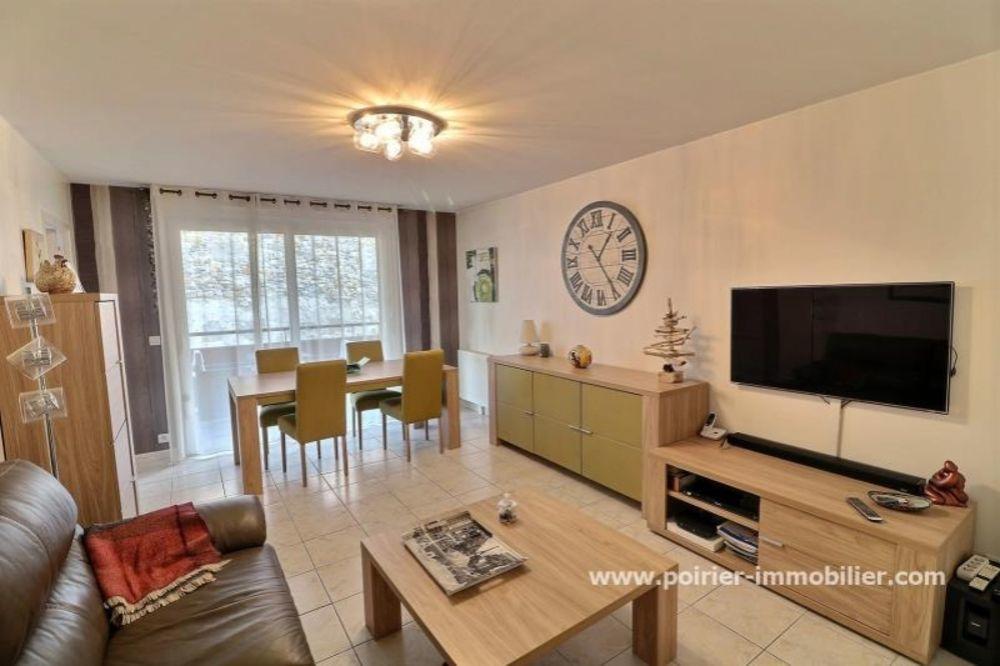 vente Appartement - 3 pièce(s) - 71 m² Bons-en-Chablais (74890)
