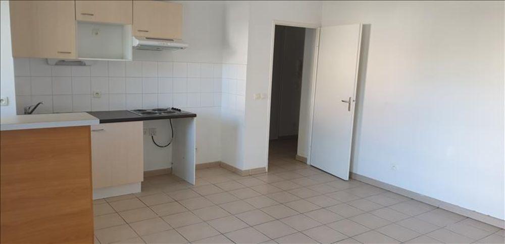 location Appartement - 3 pièce(s) - 53 m² Galgon (33133)
