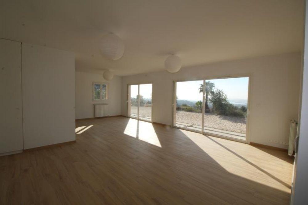 location Maison - 6 pièce(s) - 160 m² Ollioules (83190)