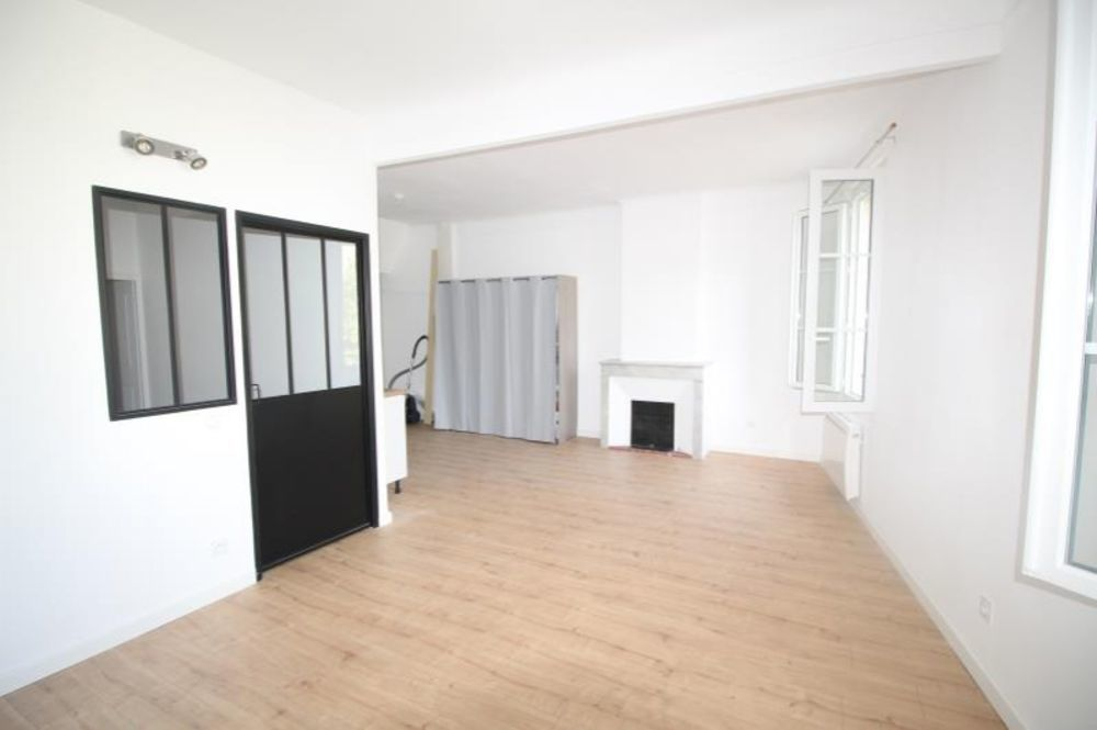 location Appartement - 2 pièce(s) - 41 m² Ollioules (83190)