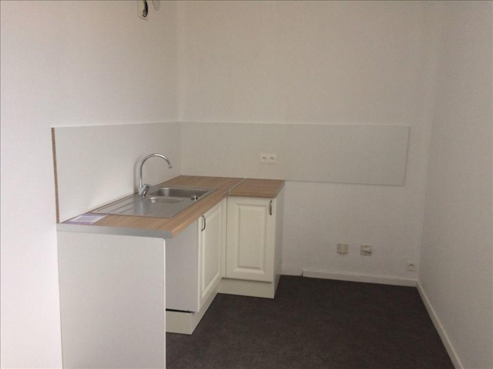 location Appartement - 5 pièce(s) - 73 m² Matha (17160)