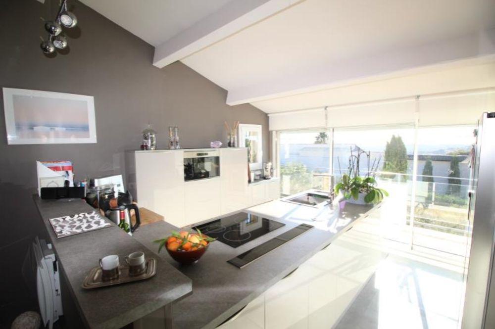 vente Maison - 6 pièce(s) - 136 m² Ollioules (83190)