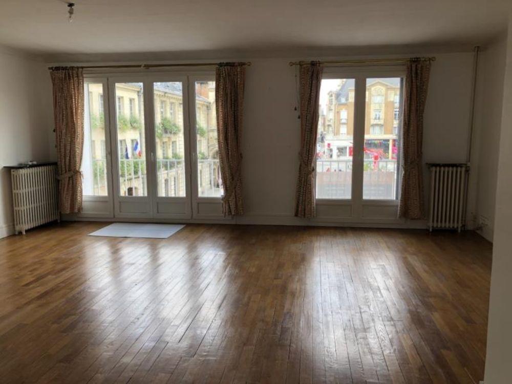 location Appartement - 3 pièce(s) - 88 m² Saint-Quentin (02100)