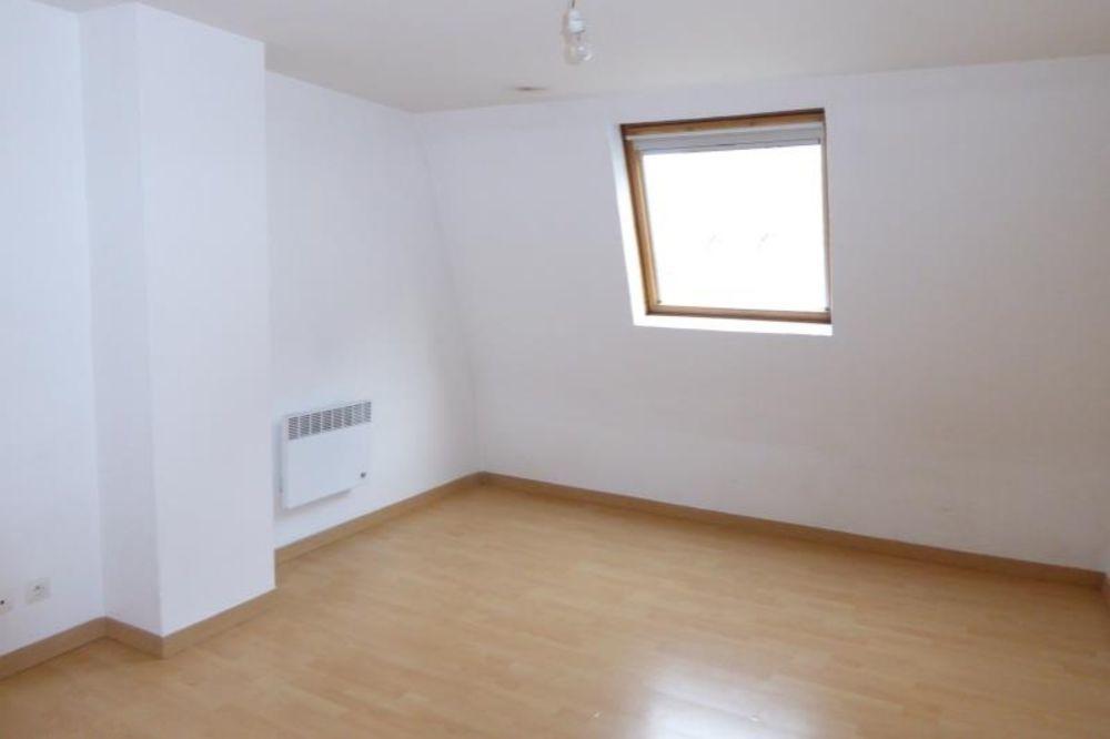 location Appartement - 3 pièce(s) - 63 m² Saint-Quentin (02100)