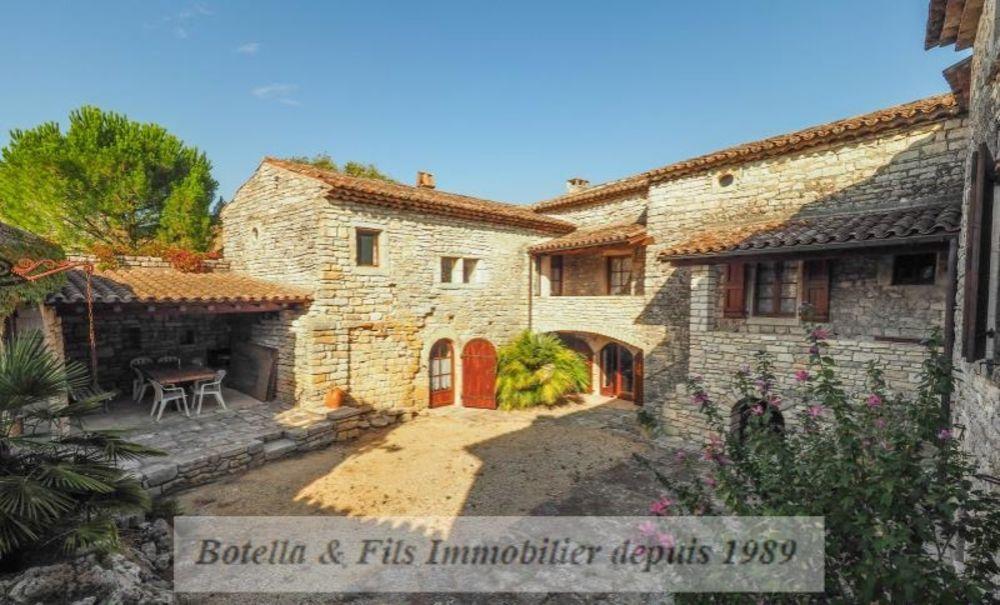 vente Maison - 7 pièce(s) - 230 m² Barjac (30430)