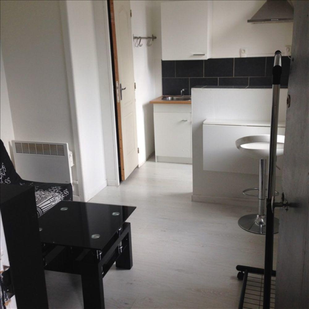 location Appartement - 1 pièce(s) - 18 m² Saint-Quentin (02100)