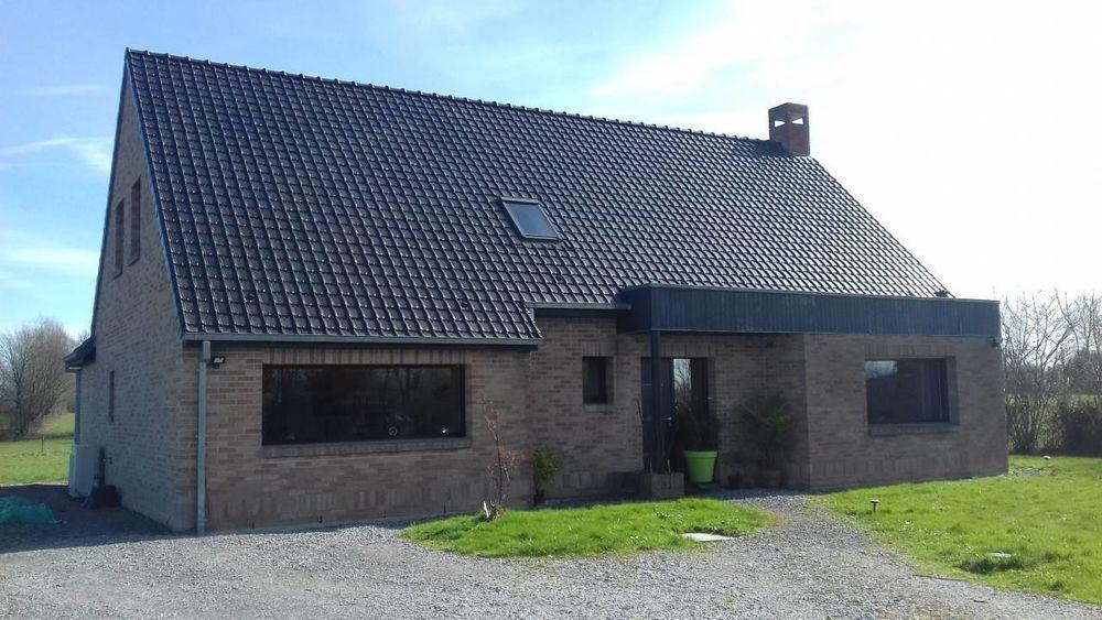 Vente Maison Pavillon récent de 206 m2 habitable sur 1750 m2 de terrain.  à Le nouvion-en-thierache