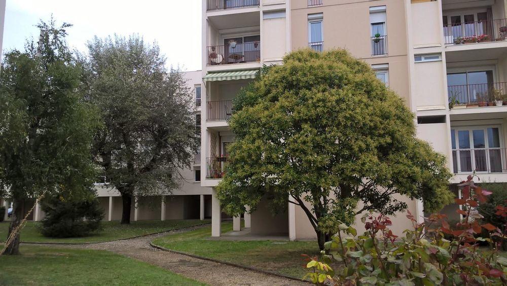 Location Appartement Appartement  à Talence
