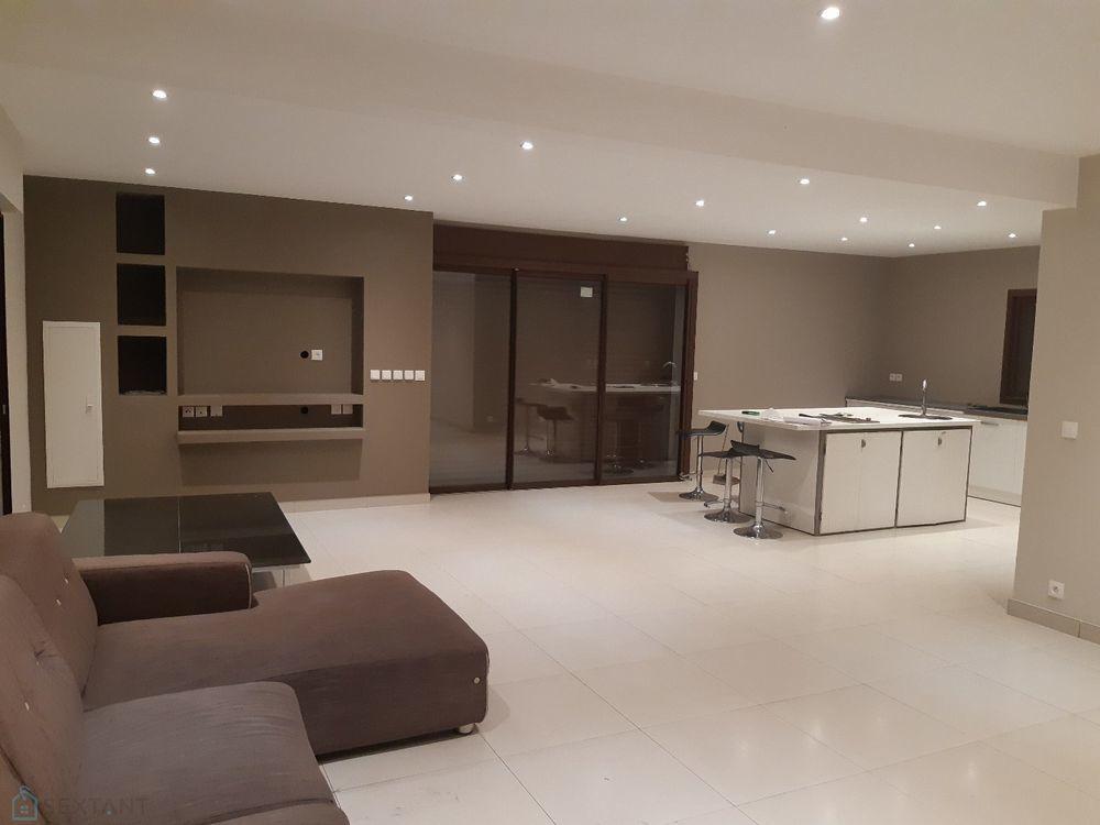 Maison - 5 pièce(s) - 150 m² 302000 Saint-André (97440)