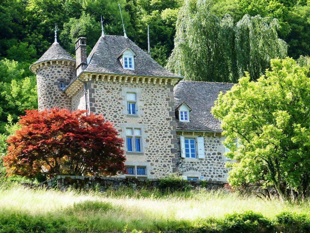 Vente Propriété/Château Château  à Vic sur cere