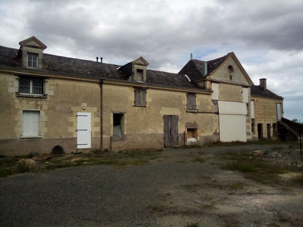 Vente Maison SUD SAUMUR JOLIE BATISSE A RENOVER  à Saumur