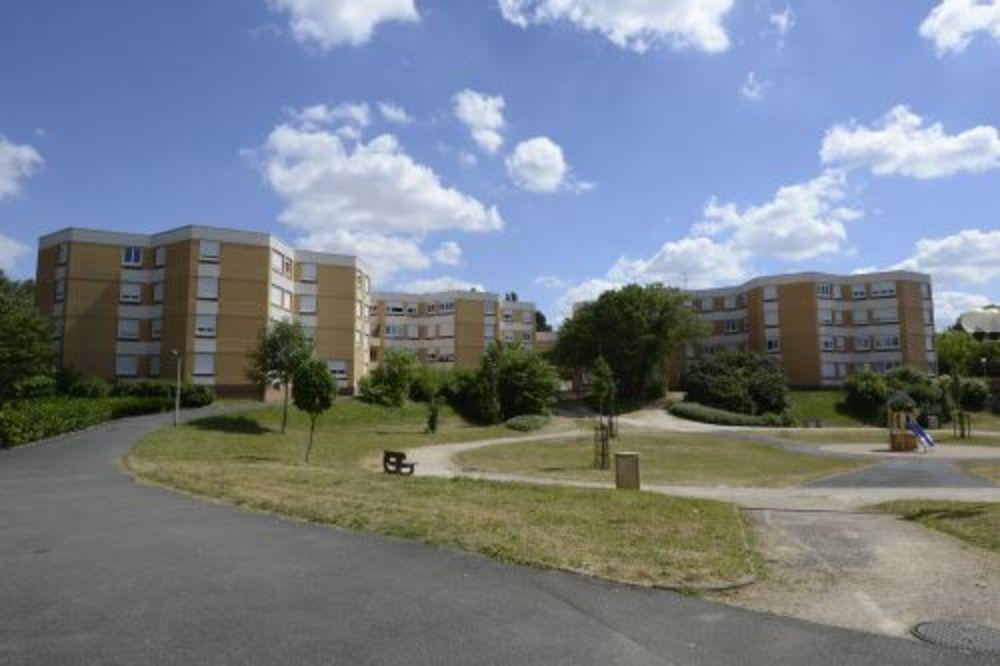 location Appartement - 4 pièce(s) - 96 m² Bourges (18000)