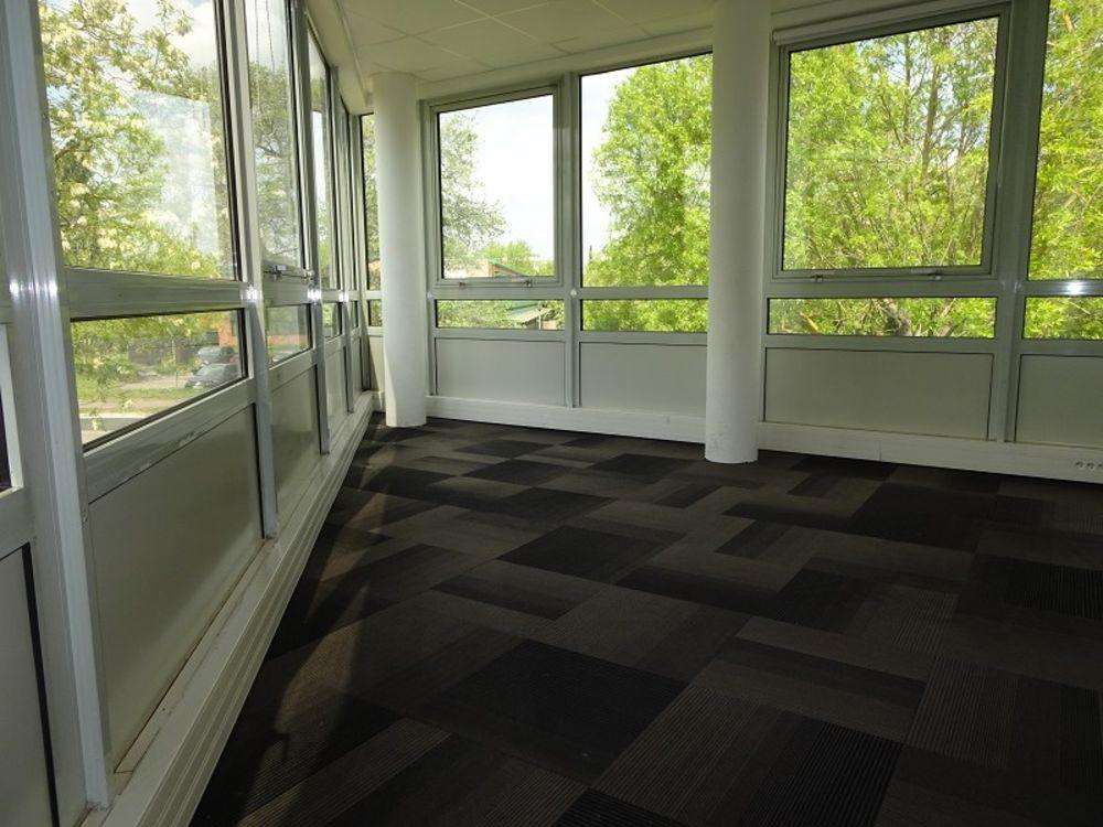 Bureaux Vide 219 m²